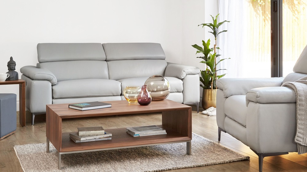 Luxurious leather sofa range