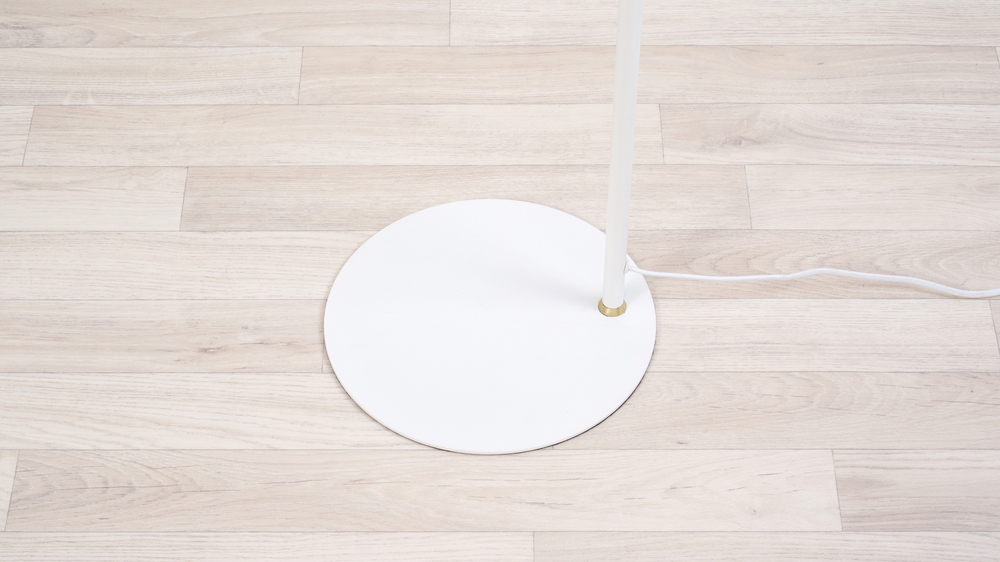 White round base floor lamp