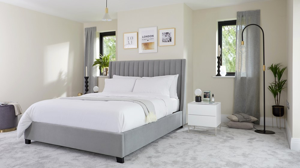 Amalfi feather grey velvet king size bed with storage uk for Mobilia king size bed