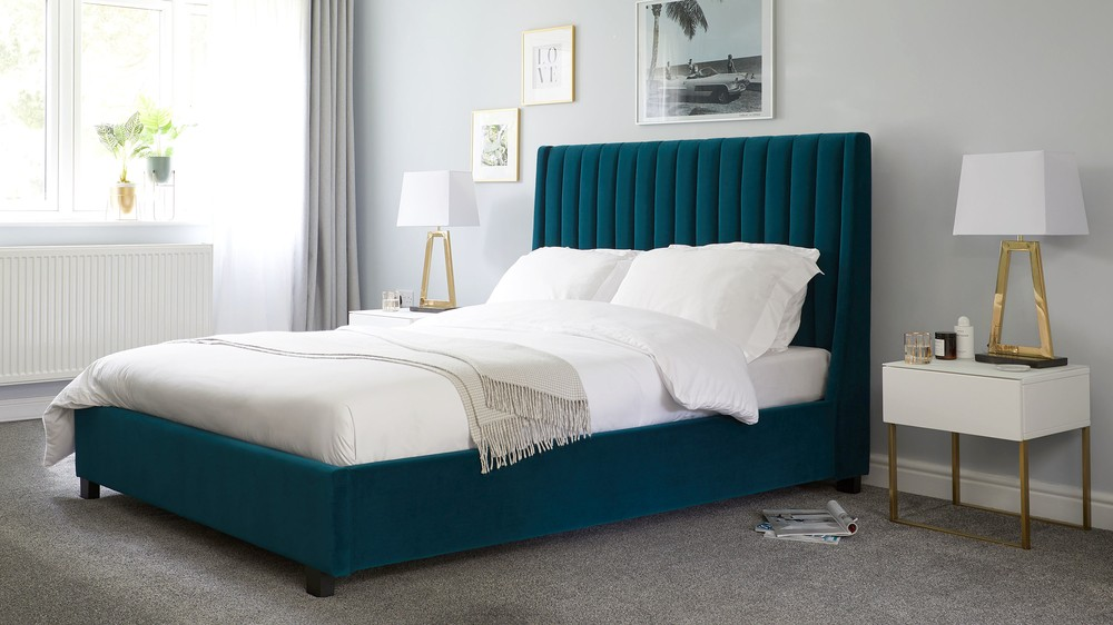 uk availability 30109 f5e37 Amalfi Peacock Velvet Super King Size Bed with Storage