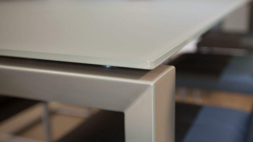 Strong Glass Dining Table