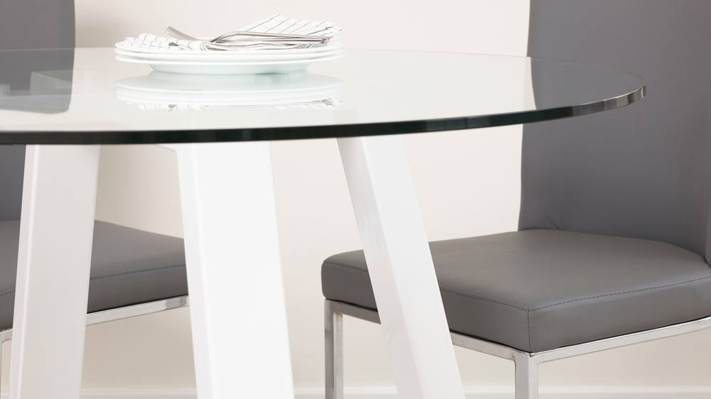 4 Seater Round Glass and White Gloss Table