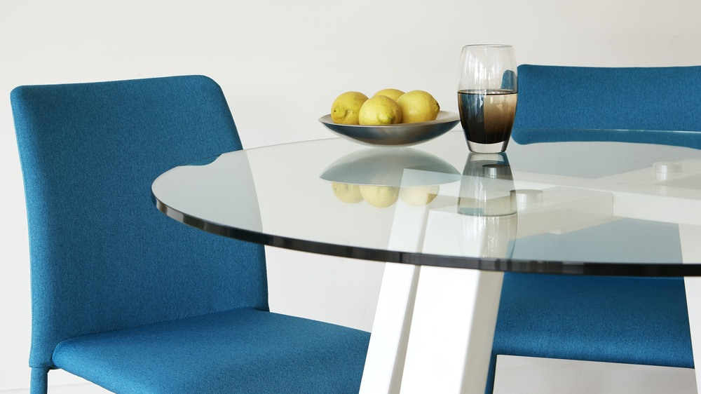 Round 4 seater glass and white gloss dining table uk for 10 seater glass dining table and chairs