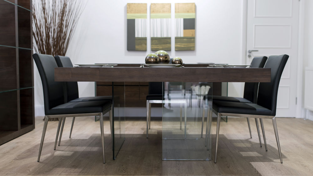 Tempered Glass Based Dining Table and Modern Dining Chairs