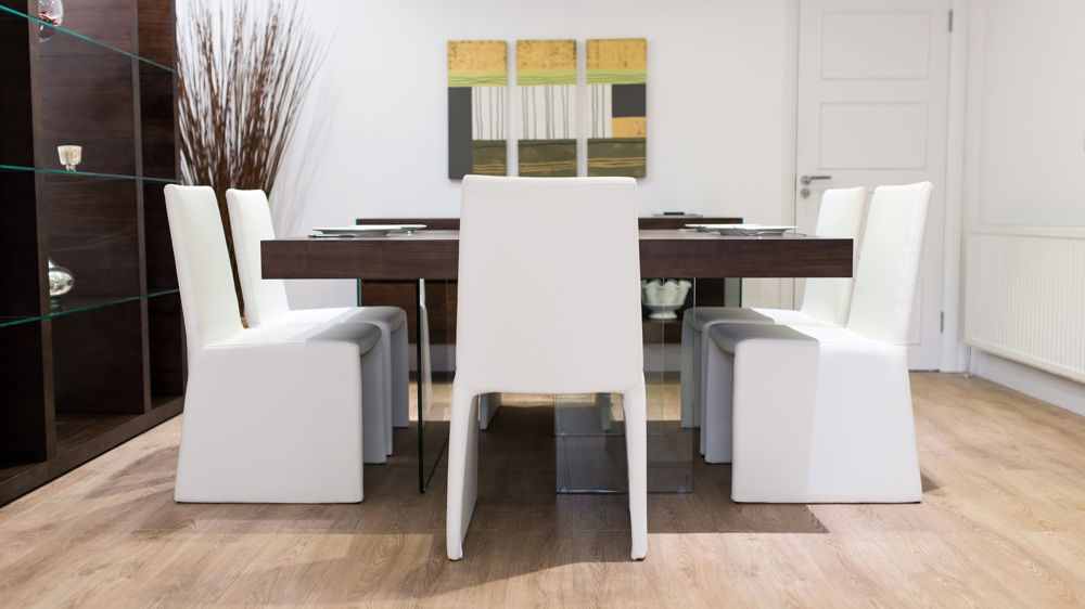 Comfortable Dining Chairs and Large Dining Table