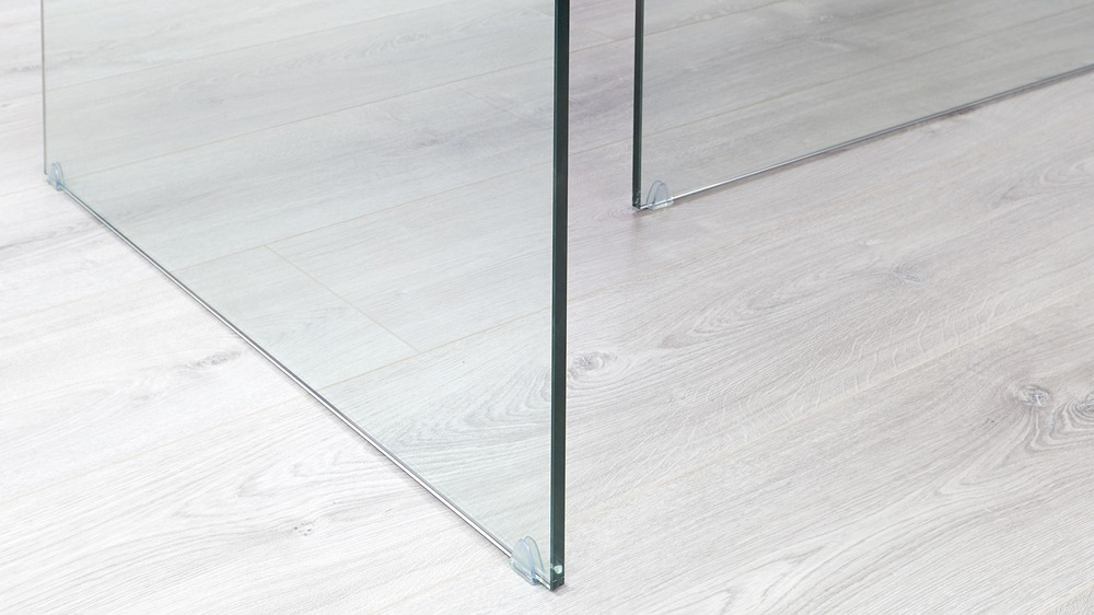 Glass leg table