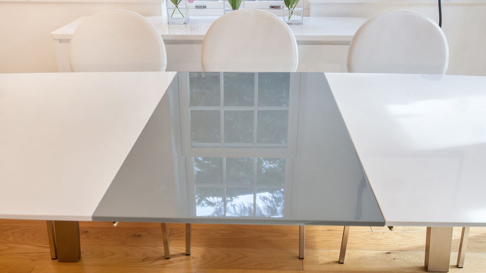 Mid-century Modern Glossy Dining Table and White Dining Chairs