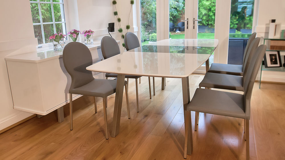 Glossy Extending Dining Table and Grey Dining Chairs