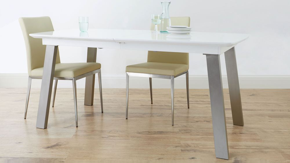 High shine extending table