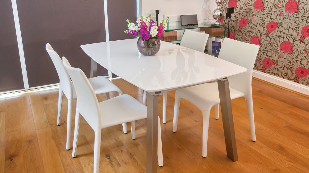 Stylish White Gloss Dining Table and White Chairs