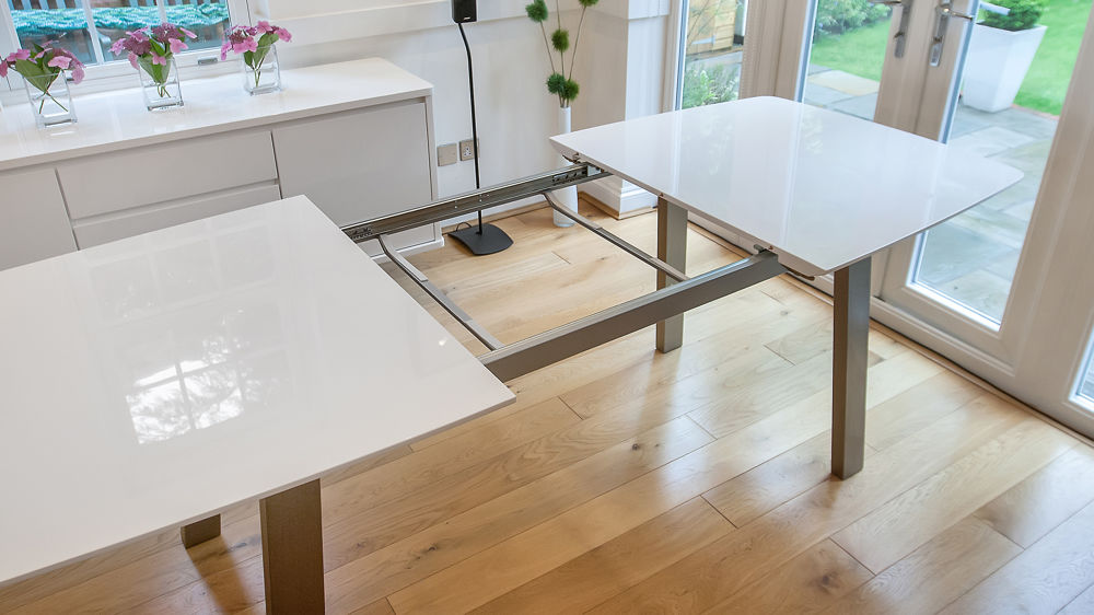 White Gloss And Brushed Metal 8 Seater Extending Dining Table