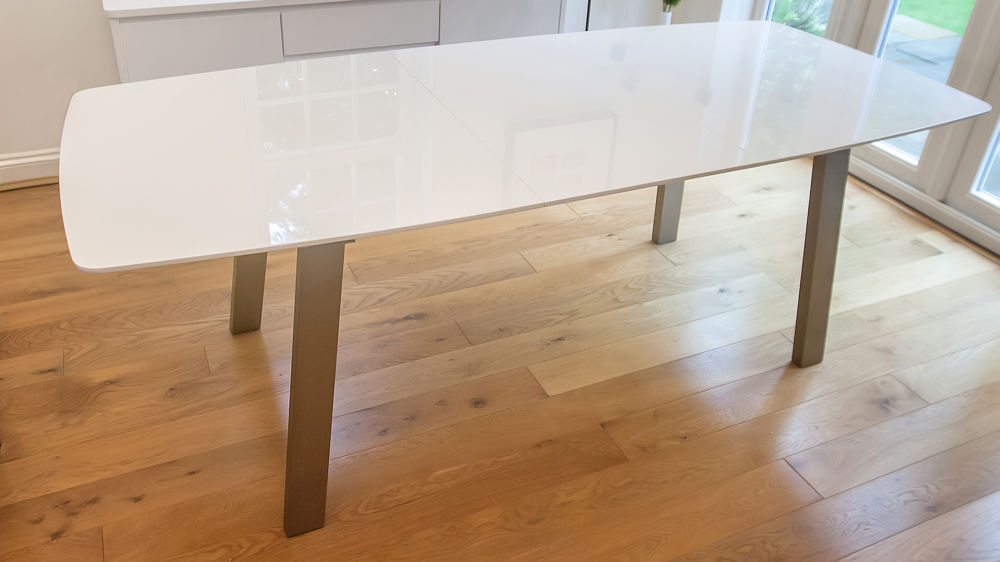 Large White Gloss Dining Table that is Extendable