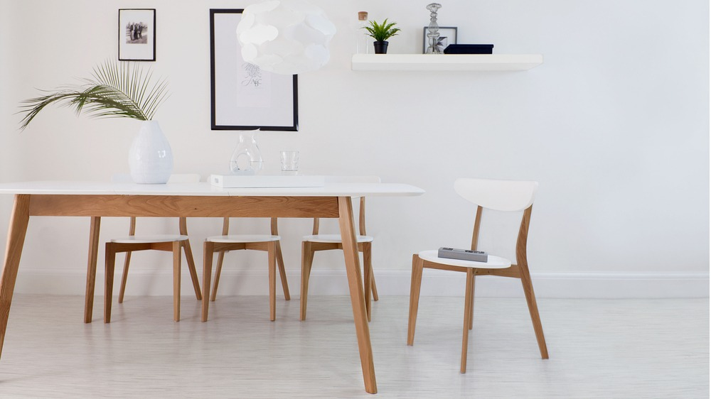 Modern white and oak extending dining set dining chairs for Contemporary oak dining chairs