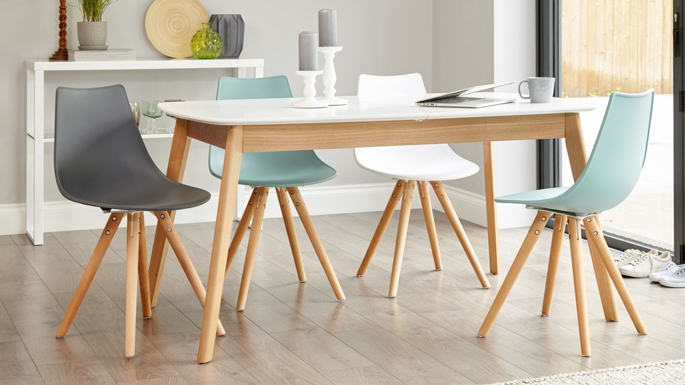 Stylish Eames Extending Dining Set