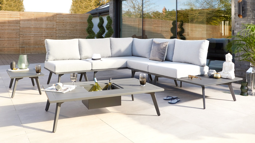 Modular outdoor corner bench with coffee table