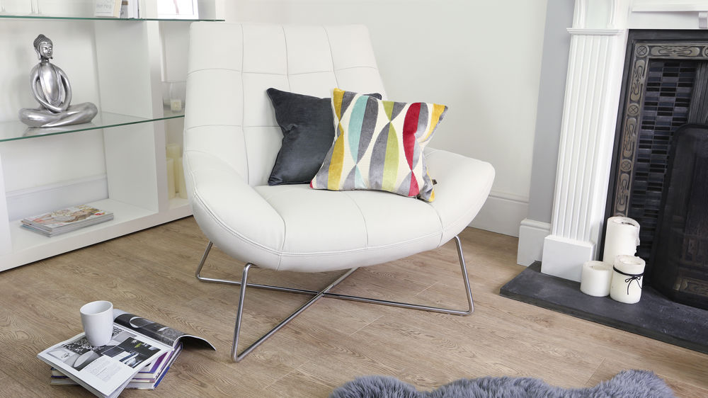 Large White Quilted Arm Chair