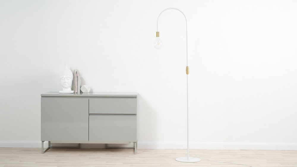 White curvy floor lamp
