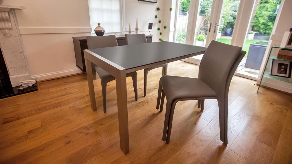 Modern Black Extending Dining Table and Grey Dining Chairs