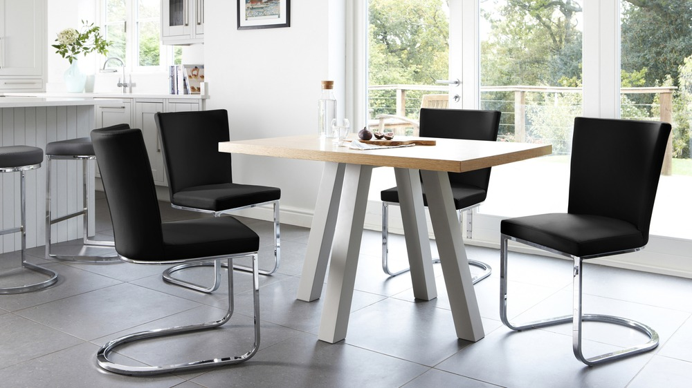 Contemporary 4 Seater Dining Table and Black Dining Chairs