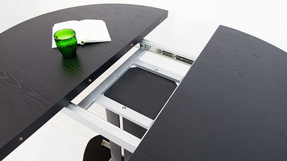 Easy Extending Round Dining Table