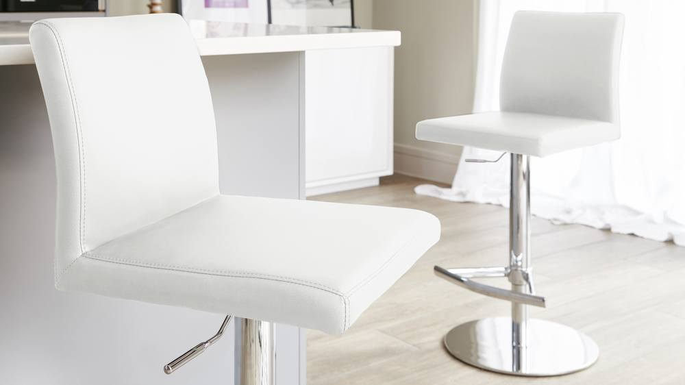 Supporting White Bar Stools