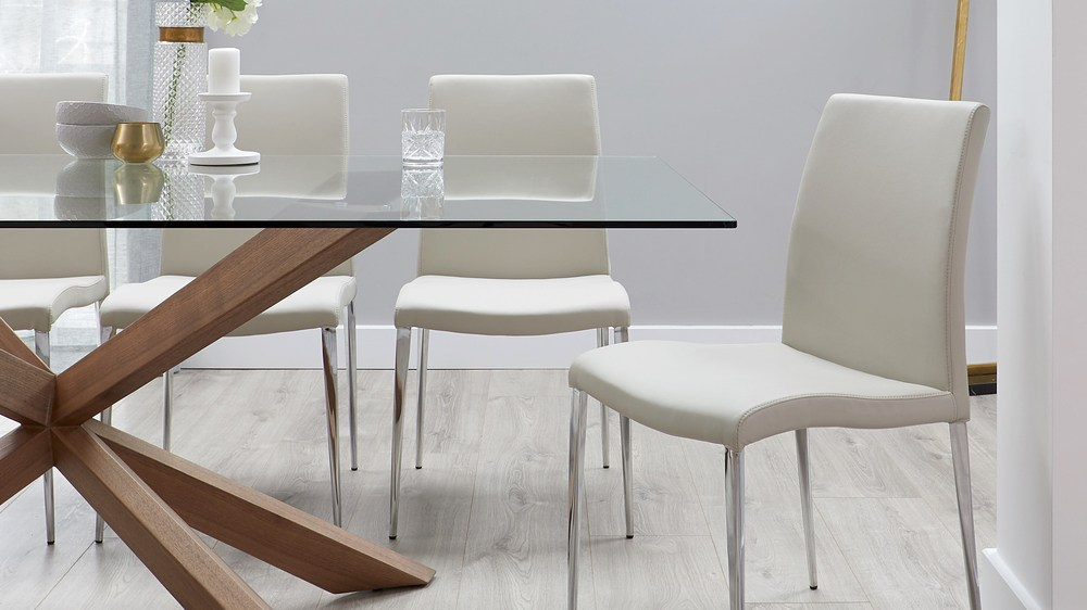 Lightweight quality dining chairs