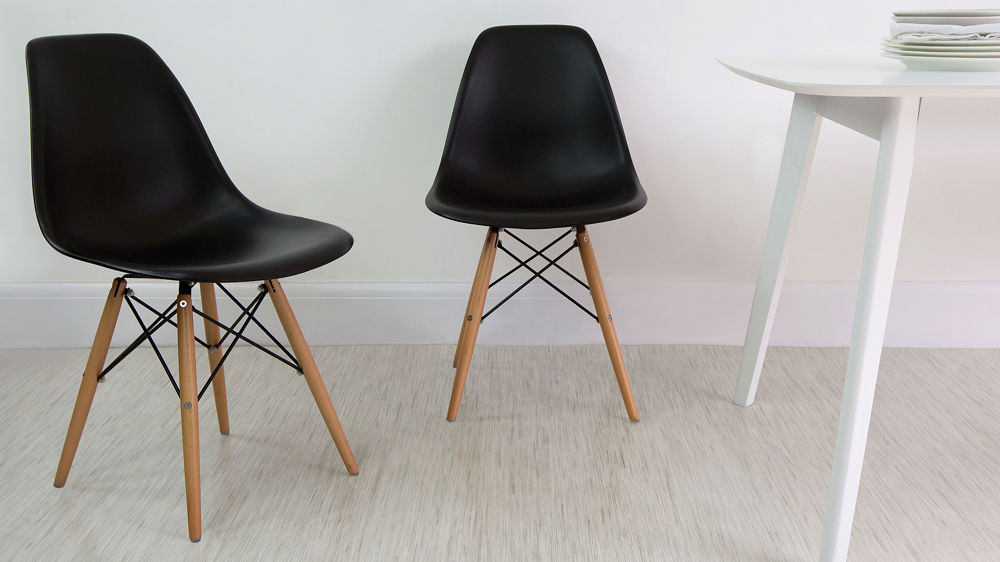 Black Plastic Dining Chairs with Wooden Legs