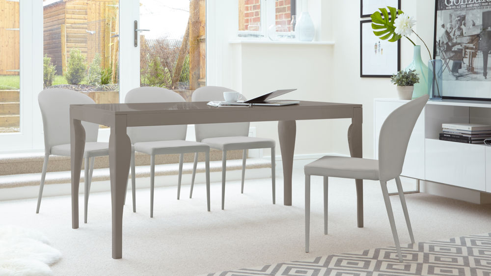 Dining Table in Grey Gloss and 6 Dining Chairs