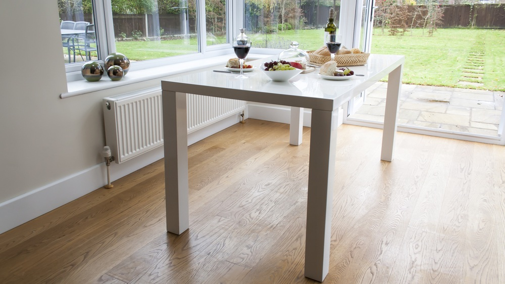 4 or 6 Seater White Gloss Dining Table