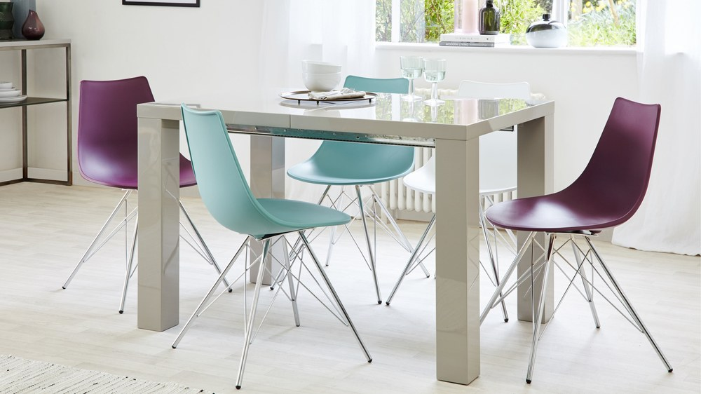 Unextended grey gloss extending dining table