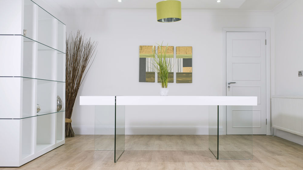 White Wood and Tempered Glass Based Dining Table