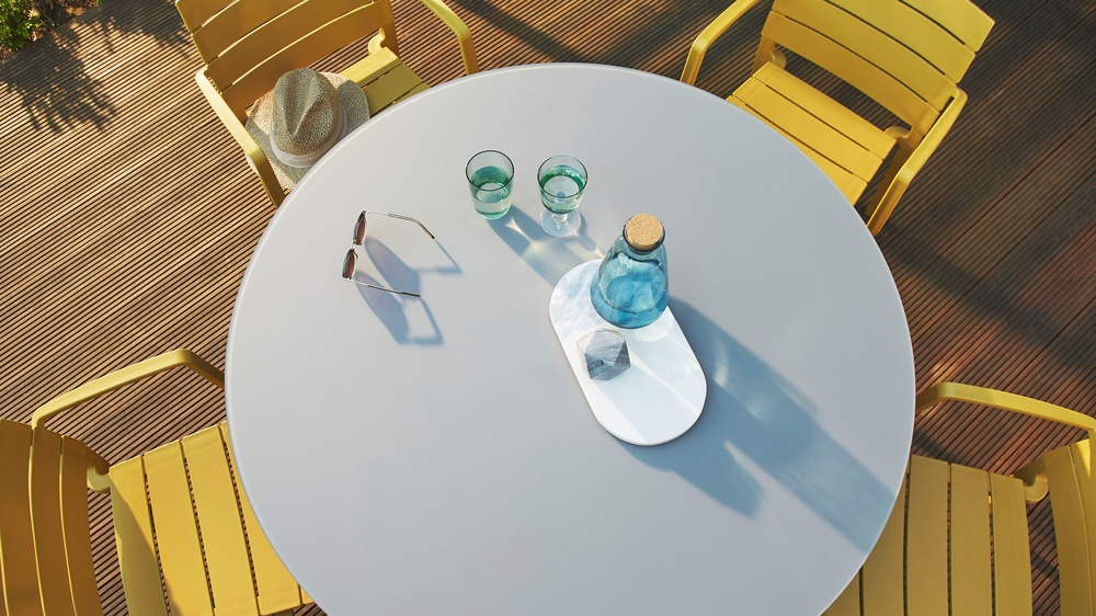 Buy outdoor garden tables online