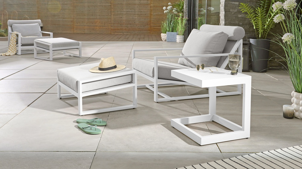 Outdoor sidetables