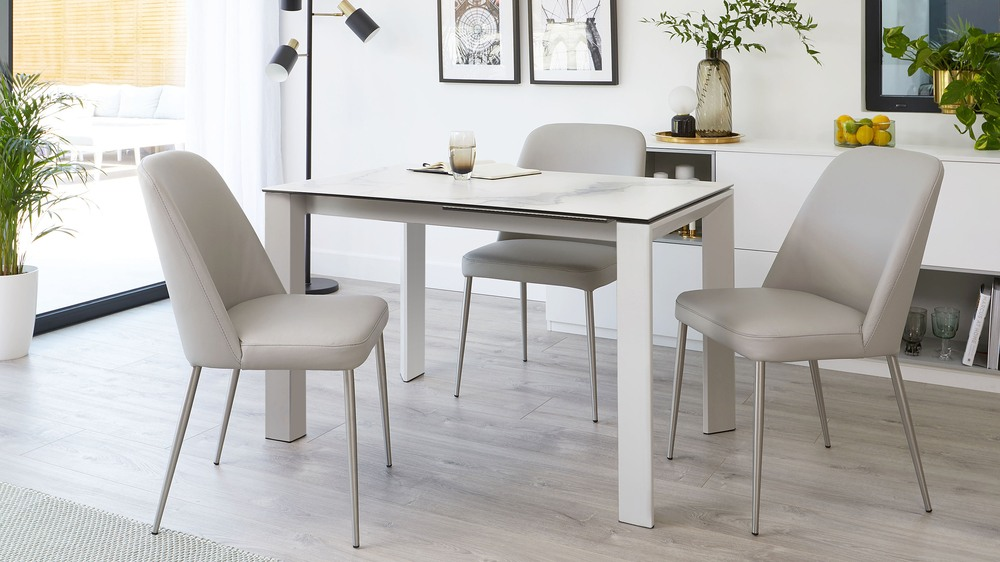 4 to 8 seater extending dining table