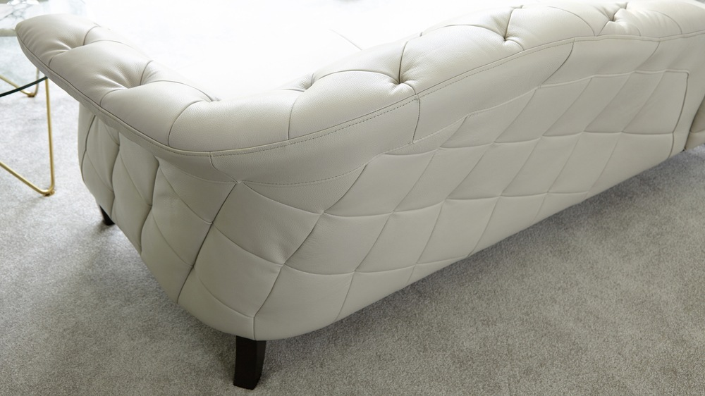Quilted real leather chaise lounge