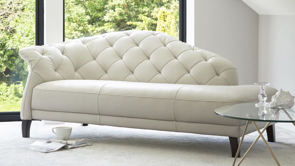 Modern leather chaise lounge living room seating uk for Modern lounge sofa