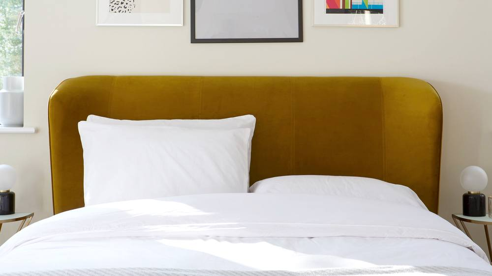 ochre yellow bed
