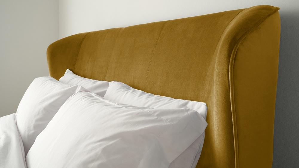Golden velvet large mellow bed