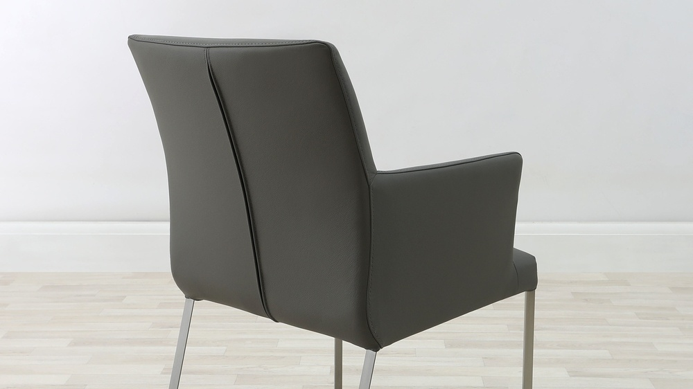 Comfortable Dining Chair with Arm Rests
