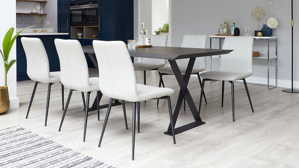 Contrasting colour dining sets