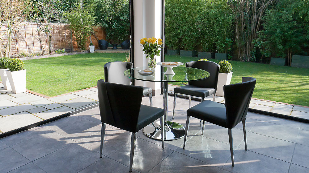4 Seater Dining Table And Black Dining Chairs