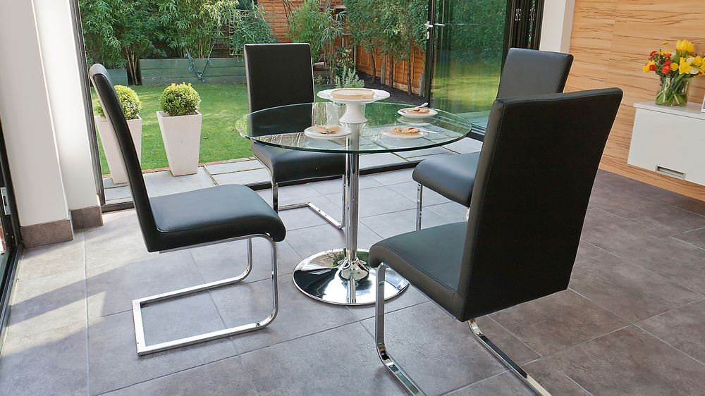 4 Seater Glass Dining Table and Cantilever Dining Chair