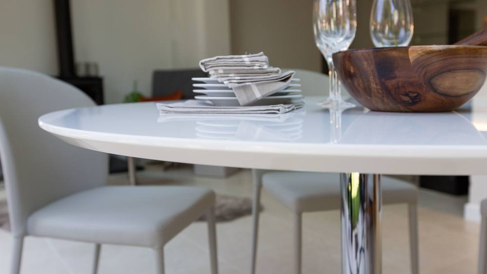 2b72fd72cd4a round white gloss dining table with chrome pedestal base