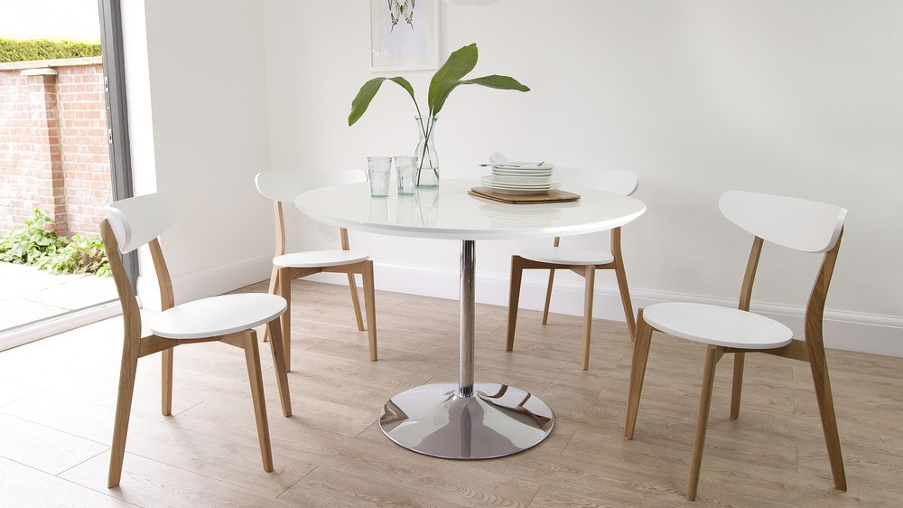 Round white gloss dining table oak dining chairs uk for White kitchen dining chairs