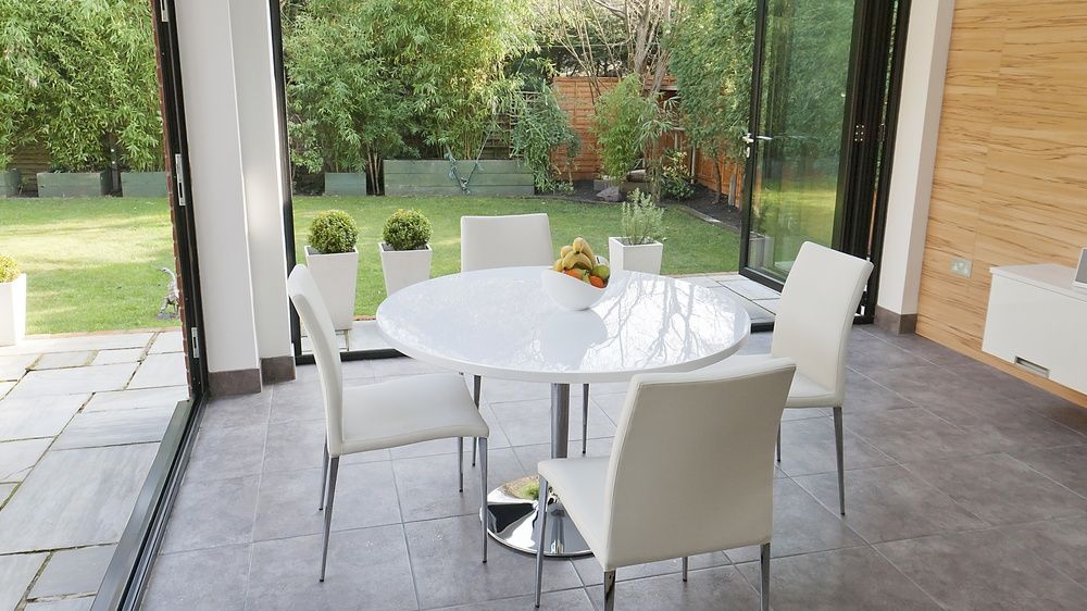 White Gloss Round Table And 4 Modern Contemporary Chairs