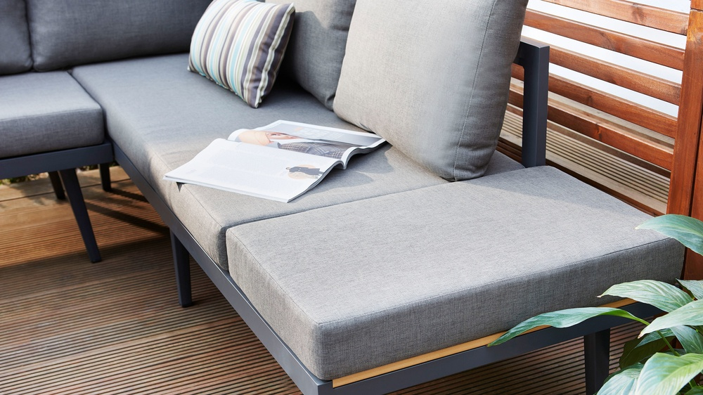 Removable cushion bench for garden