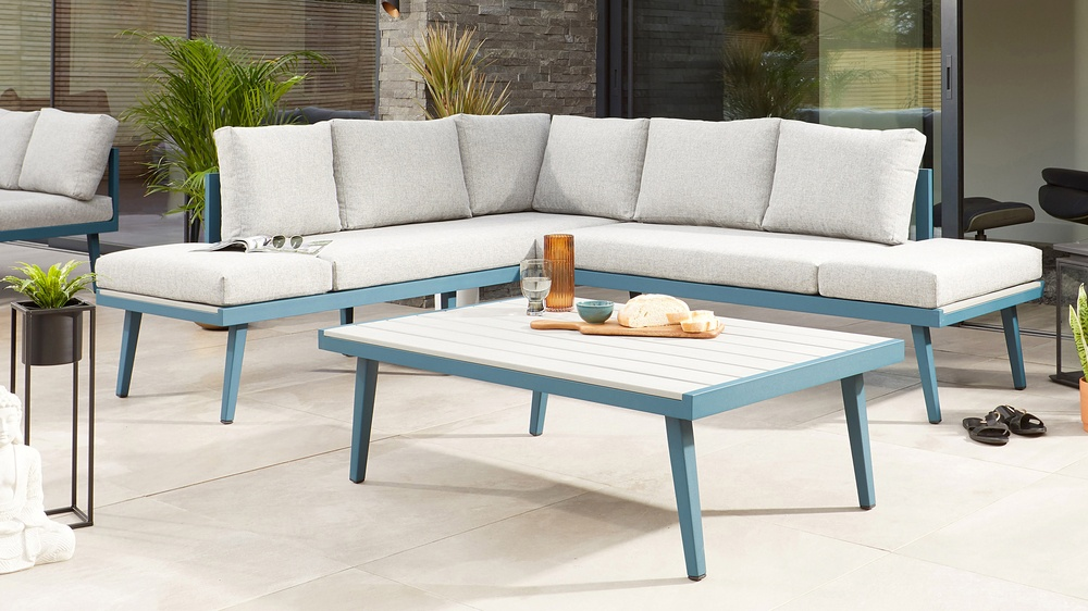 Garden coffee table with corner bench
