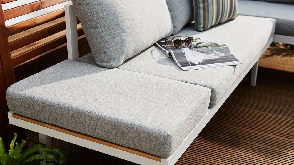 Removable cushions garden furniture