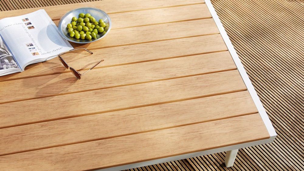 Palermo white outdoor coffee table