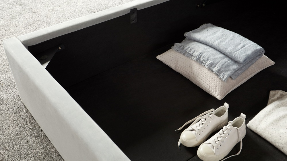 Paolo velvet storage bed